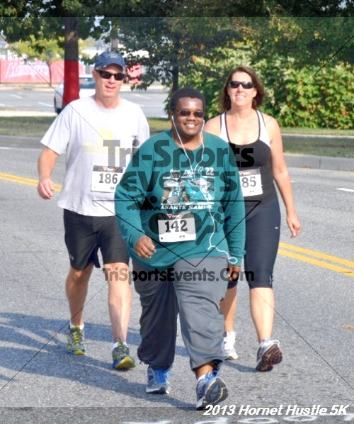 Hornet Hustle 5K Run/Walk<br><br><br><br><a href='http://www.trisportsevents.com/pics/13_Hornet_Hustle_5K_127.JPG' download='13_Hornet_Hustle_5K_127.JPG'>Click here to download.</a><Br><a href='http://www.facebook.com/sharer.php?u=http:%2F%2Fwww.trisportsevents.com%2Fpics%2F13_Hornet_Hustle_5K_127.JPG&t=Hornet Hustle 5K Run/Walk' target='_blank'><img src='images/fb_share.png' width='100'></a>