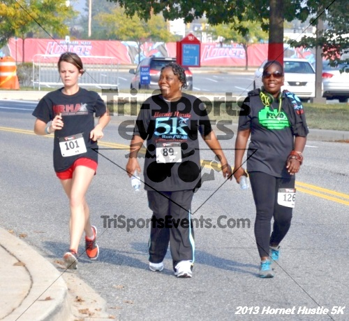 Hornet Hustle 5K Run/Walk<br><br><br><br><a href='http://www.trisportsevents.com/pics/13_Hornet_Hustle_5K_166.JPG' download='13_Hornet_Hustle_5K_166.JPG'>Click here to download.</a><Br><a href='http://www.facebook.com/sharer.php?u=http:%2F%2Fwww.trisportsevents.com%2Fpics%2F13_Hornet_Hustle_5K_166.JPG&t=Hornet Hustle 5K Run/Walk' target='_blank'><img src='images/fb_share.png' width='100'></a>