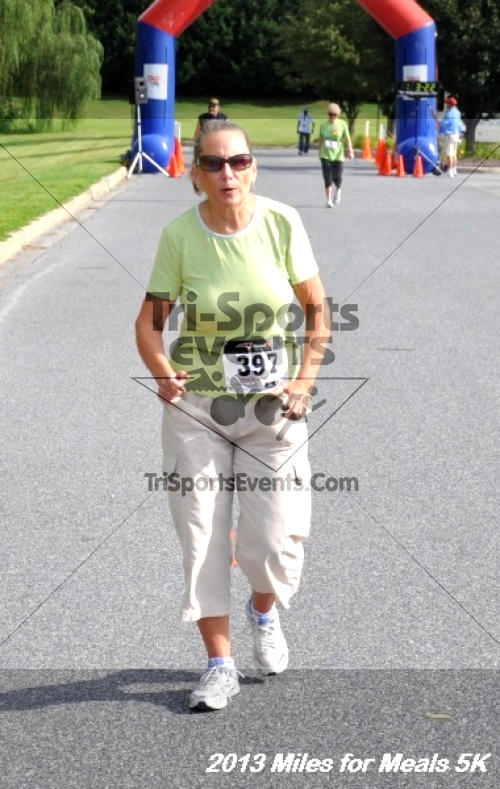 Miles for Meals 5K<br><br><br><br><a href='http://www.trisportsevents.com/pics/13_Miles_for_Meals_5K_041.JPG' download='13_Miles_for_Meals_5K_041.JPG'>Click here to download.</a><Br><a href='http://www.facebook.com/sharer.php?u=http:%2F%2Fwww.trisportsevents.com%2Fpics%2F13_Miles_for_Meals_5K_041.JPG&t=Miles for Meals 5K' target='_blank'><img src='images/fb_share.png' width='100'></a>