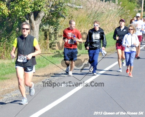 Queen of the Roses 5K<br><br><br><br><a href='https://www.trisportsevents.com/pics/13_Queen_of_the_Roses_5K_019.JPG' download='13_Queen_of_the_Roses_5K_019.JPG'>Click here to download.</a><Br><a href='http://www.facebook.com/sharer.php?u=http:%2F%2Fwww.trisportsevents.com%2Fpics%2F13_Queen_of_the_Roses_5K_019.JPG&t=Queen of the Roses 5K' target='_blank'><img src='images/fb_share.png' width='100'></a>