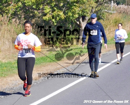 Queen of the Roses 5K<br><br><br><br><a href='https://www.trisportsevents.com/pics/13_Queen_of_the_Roses_5K_028.JPG' download='13_Queen_of_the_Roses_5K_028.JPG'>Click here to download.</a><Br><a href='http://www.facebook.com/sharer.php?u=http:%2F%2Fwww.trisportsevents.com%2Fpics%2F13_Queen_of_the_Roses_5K_028.JPG&t=Queen of the Roses 5K' target='_blank'><img src='images/fb_share.png' width='100'></a>
