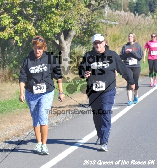 Queen of the Roses 5K<br><br><br><br><a href='http://www.trisportsevents.com/pics/13_Queen_of_the_Roses_5K_030.JPG' download='13_Queen_of_the_Roses_5K_030.JPG'>Click here to download.</a><Br><a href='http://www.facebook.com/sharer.php?u=http:%2F%2Fwww.trisportsevents.com%2Fpics%2F13_Queen_of_the_Roses_5K_030.JPG&t=Queen of the Roses 5K' target='_blank'><img src='images/fb_share.png' width='100'></a>