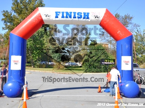 Queen of the Roses 5K<br><br><br><br><a href='http://www.trisportsevents.com/pics/13_Queen_of_the_Roses_5K_132.JPG' download='13_Queen_of_the_Roses_5K_132.JPG'>Click here to download.</a><Br><a href='http://www.facebook.com/sharer.php?u=http:%2F%2Fwww.trisportsevents.com%2Fpics%2F13_Queen_of_the_Roses_5K_132.JPG&t=Queen of the Roses 5K' target='_blank'><img src='images/fb_share.png' width='100'></a>