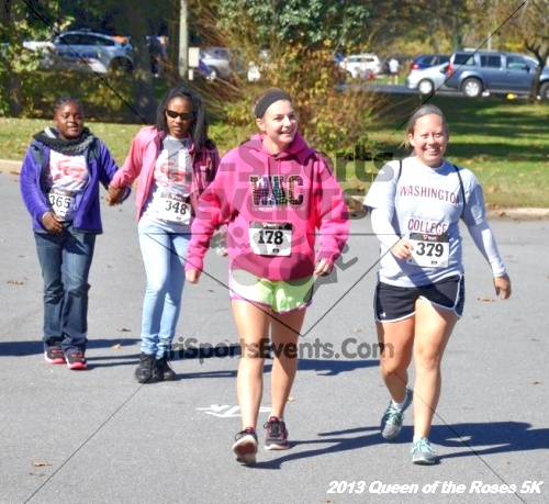Queen of the Roses 5K<br><br><br><br><a href='https://www.trisportsevents.com/pics/13_Queen_of_the_Roses_5K_158.JPG' download='13_Queen_of_the_Roses_5K_158.JPG'>Click here to download.</a><Br><a href='http://www.facebook.com/sharer.php?u=http:%2F%2Fwww.trisportsevents.com%2Fpics%2F13_Queen_of_the_Roses_5K_158.JPG&t=Queen of the Roses 5K' target='_blank'><img src='images/fb_share.png' width='100'></a>