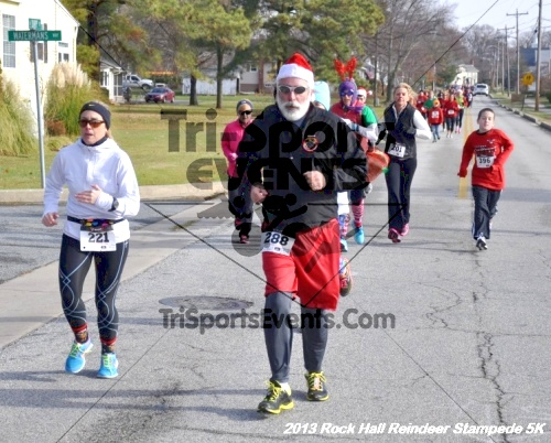 Rock Hall Reindeer Stampede 5K<br><br><br><br><a href='http://www.trisportsevents.com/pics/13_Rock_Hall_Stampede_045.JPG' download='13_Rock_Hall_Stampede_045.JPG'>Click here to download.</a><Br><a href='http://www.facebook.com/sharer.php?u=http:%2F%2Fwww.trisportsevents.com%2Fpics%2F13_Rock_Hall_Stampede_045.JPG&t=Rock Hall Reindeer Stampede 5K' target='_blank'><img src='images/fb_share.png' width='100'></a>