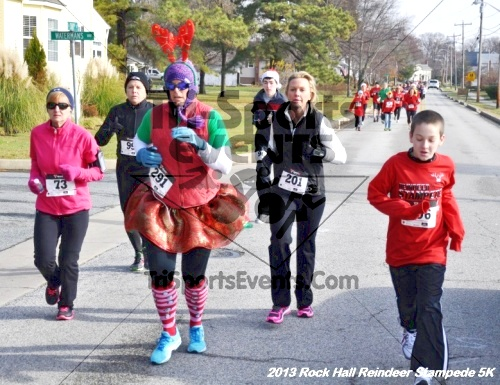 Rock Hall Reindeer Stampede 5K<br><br><br><br><a href='http://www.trisportsevents.com/pics/13_Rock_Hall_Stampede_046.JPG' download='13_Rock_Hall_Stampede_046.JPG'>Click here to download.</a><Br><a href='http://www.facebook.com/sharer.php?u=http:%2F%2Fwww.trisportsevents.com%2Fpics%2F13_Rock_Hall_Stampede_046.JPG&t=Rock Hall Reindeer Stampede 5K' target='_blank'><img src='images/fb_share.png' width='100'></a>