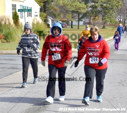 Rock Hall Reindeer Stampede 5K<br><br><br><br><a href='http://www.trisportsevents.com/pics/13_Rock_Hall_Stampede_068.JPG' download='13_Rock_Hall_Stampede_068.JPG'>Click here to download.</a><Br><a href='http://www.facebook.com/sharer.php?u=http:%2F%2Fwww.trisportsevents.com%2Fpics%2F13_Rock_Hall_Stampede_068.JPG&t=Rock Hall Reindeer Stampede 5K' target='_blank'><img src='images/fb_share.png' width='100'></a>