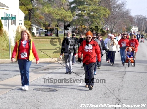 Rock Hall Reindeer Stampede 5K<br><br><br><br><a href='http://www.trisportsevents.com/pics/13_Rock_Hall_Stampede_072.JPG' download='13_Rock_Hall_Stampede_072.JPG'>Click here to download.</a><Br><a href='http://www.facebook.com/sharer.php?u=http:%2F%2Fwww.trisportsevents.com%2Fpics%2F13_Rock_Hall_Stampede_072.JPG&t=Rock Hall Reindeer Stampede 5K' target='_blank'><img src='images/fb_share.png' width='100'></a>