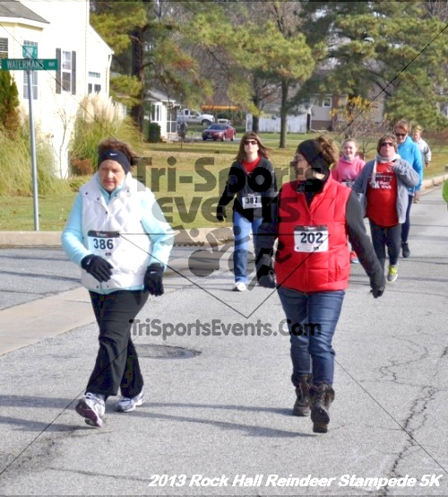 Rock Hall Reindeer Stampede 5K<br><br><br><br><a href='http://www.trisportsevents.com/pics/13_Rock_Hall_Stampede_075.JPG' download='13_Rock_Hall_Stampede_075.JPG'>Click here to download.</a><Br><a href='http://www.facebook.com/sharer.php?u=http:%2F%2Fwww.trisportsevents.com%2Fpics%2F13_Rock_Hall_Stampede_075.JPG&t=Rock Hall Reindeer Stampede 5K' target='_blank'><img src='images/fb_share.png' width='100'></a>