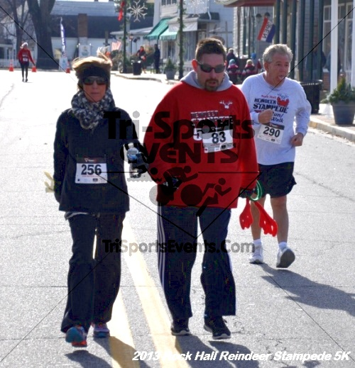 Rock Hall Reindeer Stampede 5K<br><br><br><br><a href='http://www.trisportsevents.com/pics/13_Rock_Hall_Stampede_131.JPG' download='13_Rock_Hall_Stampede_131.JPG'>Click here to download.</a><Br><a href='http://www.facebook.com/sharer.php?u=http:%2F%2Fwww.trisportsevents.com%2Fpics%2F13_Rock_Hall_Stampede_131.JPG&t=Rock Hall Reindeer Stampede 5K' target='_blank'><img src='images/fb_share.png' width='100'></a>