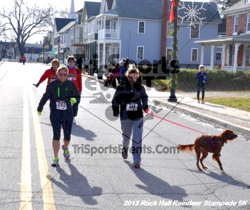 Rock Hall Reindeer Stampede 5K<br><br><br><br><a href='http://www.trisportsevents.com/pics/13_Rock_Hall_Stampede_149.JPG' download='13_Rock_Hall_Stampede_149.JPG'>Click here to download.</a><Br><a href='http://www.facebook.com/sharer.php?u=http:%2F%2Fwww.trisportsevents.com%2Fpics%2F13_Rock_Hall_Stampede_149.JPG&t=Rock Hall Reindeer Stampede 5K' target='_blank'><img src='images/fb_share.png' width='100'></a>