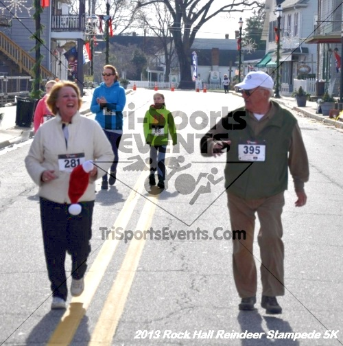 Rock Hall Reindeer Stampede 5K<br><br><br><br><a href='http://www.trisportsevents.com/pics/13_Rock_Hall_Stampede_158.JPG' download='13_Rock_Hall_Stampede_158.JPG'>Click here to download.</a><Br><a href='http://www.facebook.com/sharer.php?u=http:%2F%2Fwww.trisportsevents.com%2Fpics%2F13_Rock_Hall_Stampede_158.JPG&t=Rock Hall Reindeer Stampede 5K' target='_blank'><img src='images/fb_share.png' width='100'></a>