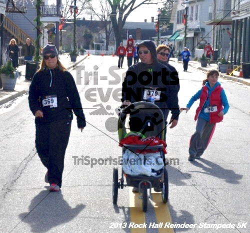 Rock Hall Reindeer Stampede 5K<br><br><br><br><a href='http://www.trisportsevents.com/pics/13_Rock_Hall_Stampede_162.JPG' download='13_Rock_Hall_Stampede_162.JPG'>Click here to download.</a><Br><a href='http://www.facebook.com/sharer.php?u=http:%2F%2Fwww.trisportsevents.com%2Fpics%2F13_Rock_Hall_Stampede_162.JPG&t=Rock Hall Reindeer Stampede 5K' target='_blank'><img src='images/fb_share.png' width='100'></a>