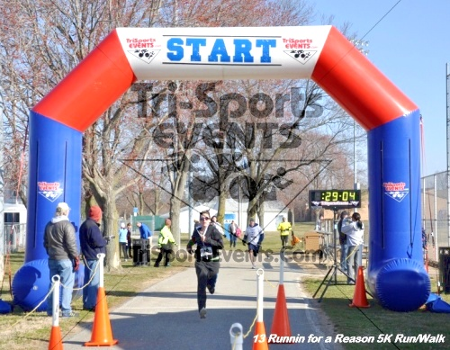 Runnin for a Reason 5K Run/Walk<br><br><br><br><a href='http://www.trisportsevents.com/pics/13_Runnin_for_a_Reason_098.JPG' download='13_Runnin_for_a_Reason_098.JPG'>Click here to download.</a><Br><a href='http://www.facebook.com/sharer.php?u=http:%2F%2Fwww.trisportsevents.com%2Fpics%2F13_Runnin_for_a_Reason_098.JPG&t=Runnin for a Reason 5K Run/Walk' target='_blank'><img src='images/fb_share.png' width='100'></a>