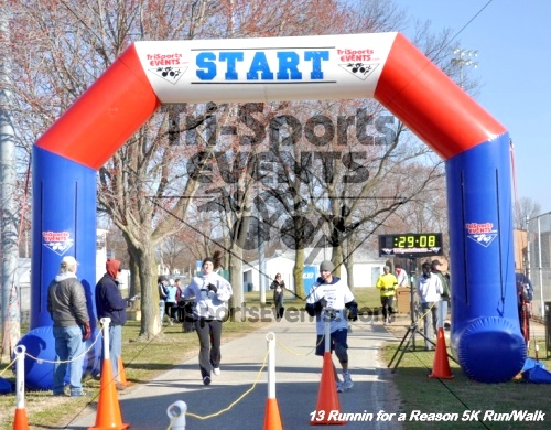 Runnin for a Reason 5K Run/Walk<br><br><br><br><a href='http://www.trisportsevents.com/pics/13_Runnin_for_a_Reason_099.JPG' download='13_Runnin_for_a_Reason_099.JPG'>Click here to download.</a><Br><a href='http://www.facebook.com/sharer.php?u=http:%2F%2Fwww.trisportsevents.com%2Fpics%2F13_Runnin_for_a_Reason_099.JPG&t=Runnin for a Reason 5K Run/Walk' target='_blank'><img src='images/fb_share.png' width='100'></a>