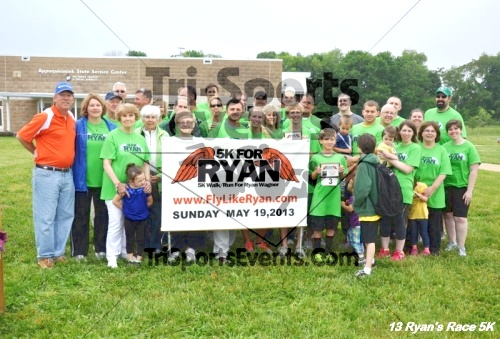 3rd Ryan's Race 5K<br><br><br><br><a href='https://www.trisportsevents.com/pics/13_Ryan's_Race_5K_267.JPG' download='13_Ryan's_Race_5K_267.JPG'>Click here to download.</a><Br><a href='http://www.facebook.com/sharer.php?u=http:%2F%2Fwww.trisportsevents.com%2Fpics%2F13_Ryan's_Race_5K_267.JPG&t=3rd Ryan's Race 5K' target='_blank'><img src='images/fb_share.png' width='100'></a>