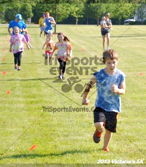 Victoris's 5K Bubble Run/Walk<br><br><br><br><a href='http://www.trisportsevents.com/pics/13_Victoria's_5K_011.JPG' download='13_Victoria's_5K_011.JPG'>Click here to download.</a><Br><a href='http://www.facebook.com/sharer.php?u=http:%2F%2Fwww.trisportsevents.com%2Fpics%2F13_Victoria's_5K_011.JPG&t=Victoris's 5K Bubble Run/Walk' target='_blank'><img src='images/fb_share.png' width='100'></a>
