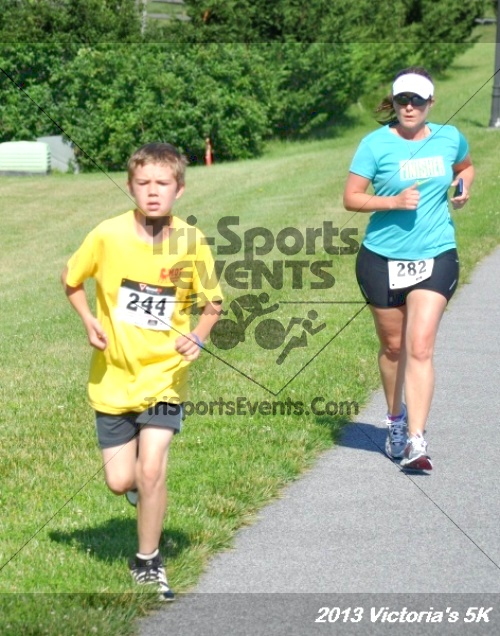 Victoris's 5K Bubble Run/Walk<br><br><br><br><a href='https://www.trisportsevents.com/pics/13_Victoria's_5K_068.JPG' download='13_Victoria's_5K_068.JPG'>Click here to download.</a><Br><a href='http://www.facebook.com/sharer.php?u=http:%2F%2Fwww.trisportsevents.com%2Fpics%2F13_Victoria's_5K_068.JPG&t=Victoris's 5K Bubble Run/Walk' target='_blank'><img src='images/fb_share.png' width='100'></a>