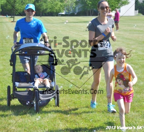 Victoris's 5K Bubble Run/Walk<br><br><br><br><a href='https://www.trisportsevents.com/pics/13_Victoria's_5K_175.JPG' download='13_Victoria's_5K_175.JPG'>Click here to download.</a><Br><a href='http://www.facebook.com/sharer.php?u=http:%2F%2Fwww.trisportsevents.com%2Fpics%2F13_Victoria's_5K_175.JPG&t=Victoris's 5K Bubble Run/Walk' target='_blank'><img src='images/fb_share.png' width='100'></a>