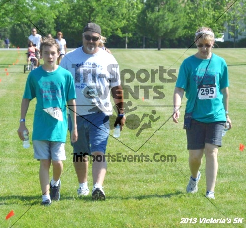 Victoris's 5K Bubble Run/Walk<br><br><br><br><a href='http://www.trisportsevents.com/pics/13_Victoria's_5K_179.JPG' download='13_Victoria's_5K_179.JPG'>Click here to download.</a><Br><a href='http://www.facebook.com/sharer.php?u=http:%2F%2Fwww.trisportsevents.com%2Fpics%2F13_Victoria's_5K_179.JPG&t=Victoris's 5K Bubble Run/Walk' target='_blank'><img src='images/fb_share.png' width='100'></a>
