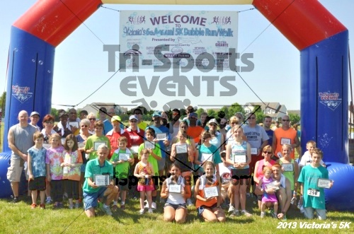 Victoris's 5K Bubble Run/Walk<br><br><br><br><a href='https://www.trisportsevents.com/pics/13_Victoria's_5K_197.JPG' download='13_Victoria's_5K_197.JPG'>Click here to download.</a><Br><a href='http://www.facebook.com/sharer.php?u=http:%2F%2Fwww.trisportsevents.com%2Fpics%2F13_Victoria's_5K_197.JPG&t=Victoris's 5K Bubble Run/Walk' target='_blank'><img src='images/fb_share.png' width='100'></a>