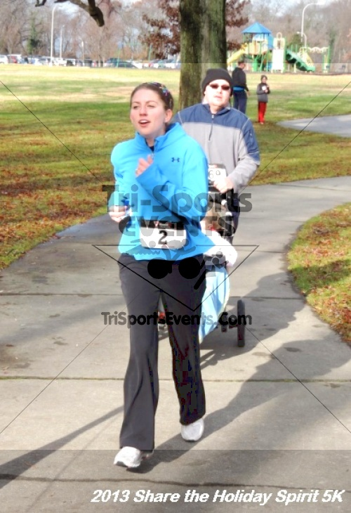Share the Holiday Spirit 5K<br><br><br><br><a href='https://www.trisportsevents.com/pics/146.JPG' download='146.JPG'>Click here to download.</a><Br><a href='http://www.facebook.com/sharer.php?u=http:%2F%2Fwww.trisportsevents.com%2Fpics%2F146.JPG&t=Share the Holiday Spirit 5K' target='_blank'><img src='images/fb_share.png' width='100'></a>