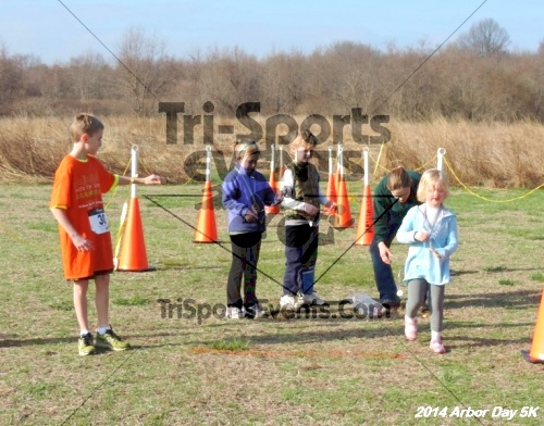 Arbor Day 5K - Adkins Arboretum<br><br><br><br><a href='http://www.trisportsevents.com/pics/14_Arbor_Day_5K_192.JPG' download='14_Arbor_Day_5K_192.JPG'>Click here to download.</a><Br><a href='http://www.facebook.com/sharer.php?u=http:%2F%2Fwww.trisportsevents.com%2Fpics%2F14_Arbor_Day_5K_192.JPG&t=Arbor Day 5K - Adkins Arboretum' target='_blank'><img src='images/fb_share.png' width='100'></a>