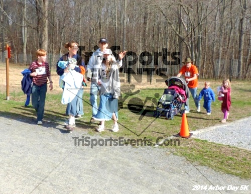 Arbor Day 5K - Adkins Arboretum<br><br><br><br><a href='http://www.trisportsevents.com/pics/14_Arbor_Day_5K_283.JPG' download='14_Arbor_Day_5K_283.JPG'>Click here to download.</a><Br><a href='http://www.facebook.com/sharer.php?u=http:%2F%2Fwww.trisportsevents.com%2Fpics%2F14_Arbor_Day_5K_283.JPG&t=Arbor Day 5K - Adkins Arboretum' target='_blank'><img src='images/fb_share.png' width='100'></a>