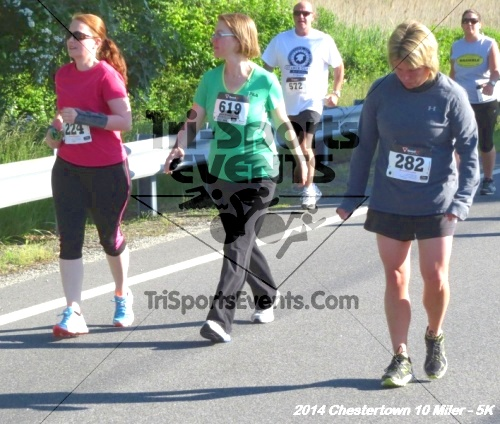 Chestertown Tea Party 5K & 10 Miler<br><br><br><br><a href='https://www.trisportsevents.com/pics/14_Chestertown_10_Miler-5K_099.JPG' download='14_Chestertown_10_Miler-5K_099.JPG'>Click here to download.</a><Br><a href='http://www.facebook.com/sharer.php?u=http:%2F%2Fwww.trisportsevents.com%2Fpics%2F14_Chestertown_10_Miler-5K_099.JPG&t=Chestertown Tea Party 5K & 10 Miler' target='_blank'><img src='images/fb_share.png' width='100'></a>