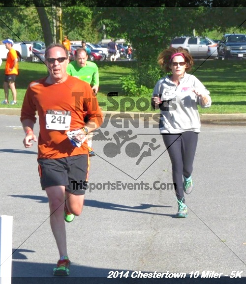 Chestertown Tea Party 5K & 10 Miler<br><br><br><br><a href='https://www.trisportsevents.com/pics/14_Chestertown_10_Miler-5K_233.JPG' download='14_Chestertown_10_Miler-5K_233.JPG'>Click here to download.</a><Br><a href='http://www.facebook.com/sharer.php?u=http:%2F%2Fwww.trisportsevents.com%2Fpics%2F14_Chestertown_10_Miler-5K_233.JPG&t=Chestertown Tea Party 5K & 10 Miler' target='_blank'><img src='images/fb_share.png' width='100'></a>