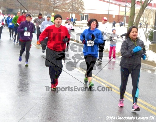 Chocolate Lovers 5K Run/Walk<br><br><br><br><a href='http://www.trisportsevents.com/pics/14_Chocolate_Lovers_5K_260.JPG' download='14_Chocolate_Lovers_5K_260.JPG'>Click here to download.</a><Br><a href='http://www.facebook.com/sharer.php?u=http:%2F%2Fwww.trisportsevents.com%2Fpics%2F14_Chocolate_Lovers_5K_260.JPG&t=Chocolate Lovers 5K Run/Walk' target='_blank'><img src='images/fb_share.png' width='100'></a>