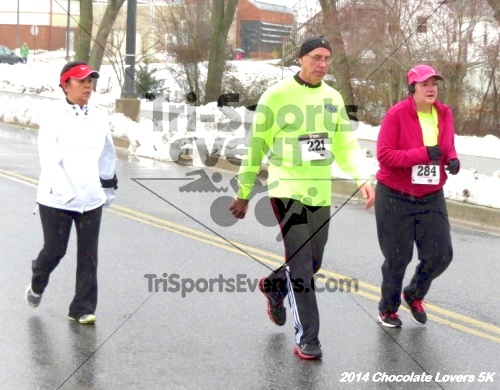 Chocolate Lovers 5K Run/Walk<br><br><br><br><a href='http://www.trisportsevents.com/pics/14_Chocolate_Lovers_5K_336.JPG' download='14_Chocolate_Lovers_5K_336.JPG'>Click here to download.</a><Br><a href='http://www.facebook.com/sharer.php?u=http:%2F%2Fwww.trisportsevents.com%2Fpics%2F14_Chocolate_Lovers_5K_336.JPG&t=Chocolate Lovers 5K Run/Walk' target='_blank'><img src='images/fb_share.png' width='100'></a>