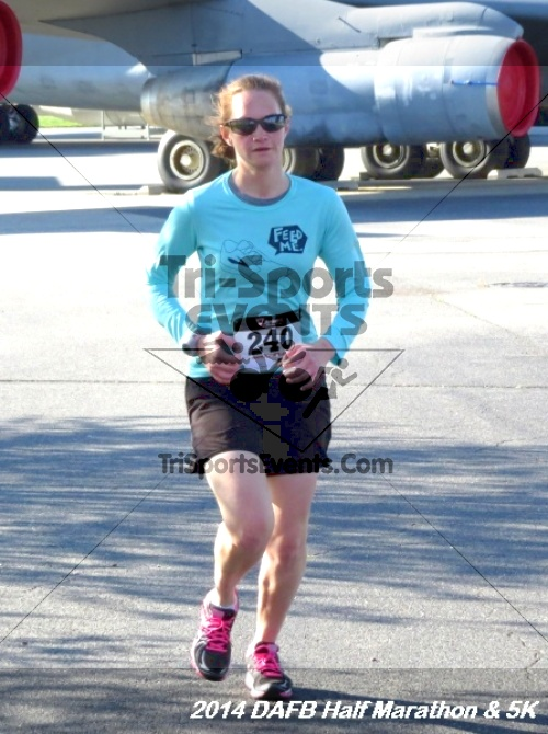 Dover Air Force Base Heritage Half Marathon<br><br><br><br><a href='http://www.trisportsevents.com/pics/14_DAFB_Half_Marathon_&_5K_020.JPG' download='14_DAFB_Half_Marathon_&_5K_020.JPG'>Click here to download.</a><Br><a href='http://www.facebook.com/sharer.php?u=http:%2F%2Fwww.trisportsevents.com%2Fpics%2F14_DAFB_Half_Marathon_&_5K_020.JPG&t=Dover Air Force Base Heritage Half Marathon' target='_blank'><img src='images/fb_share.png' width='100'></a>