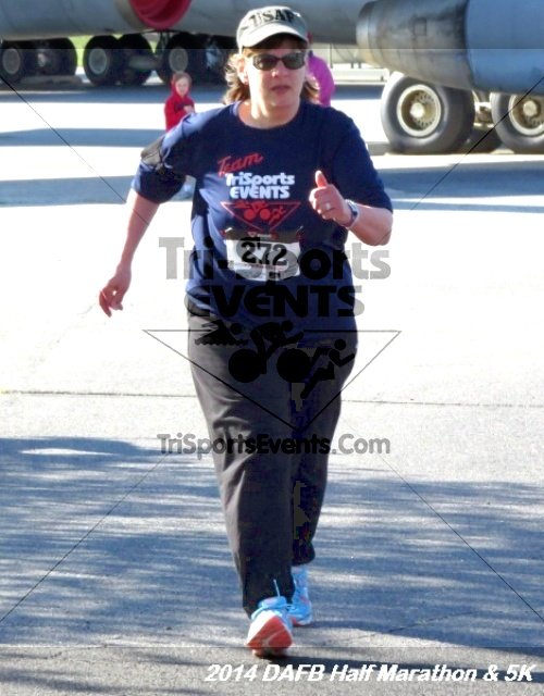 Dover Air Force Base Heritage Half Marathon<br><br><br><br><a href='https://www.trisportsevents.com/pics/14_DAFB_Half_Marathon_&_5K_079.JPG' download='14_DAFB_Half_Marathon_&_5K_079.JPG'>Click here to download.</a><Br><a href='http://www.facebook.com/sharer.php?u=http:%2F%2Fwww.trisportsevents.com%2Fpics%2F14_DAFB_Half_Marathon_&_5K_079.JPG&t=Dover Air Force Base Heritage Half Marathon' target='_blank'><img src='images/fb_share.png' width='100'></a>