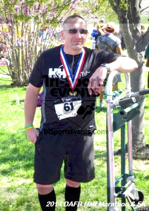 Dover Air Force Base Heritage Half Marathon<br><br><br><br><a href='http://www.trisportsevents.com/pics/14_DAFB_Half_Marathon_&_5K_237.JPG' download='14_DAFB_Half_Marathon_&_5K_237.JPG'>Click here to download.</a><Br><a href='http://www.facebook.com/sharer.php?u=http:%2F%2Fwww.trisportsevents.com%2Fpics%2F14_DAFB_Half_Marathon_&_5K_237.JPG&t=Dover Air Force Base Heritage Half Marathon' target='_blank'><img src='images/fb_share.png' width='100'></a>