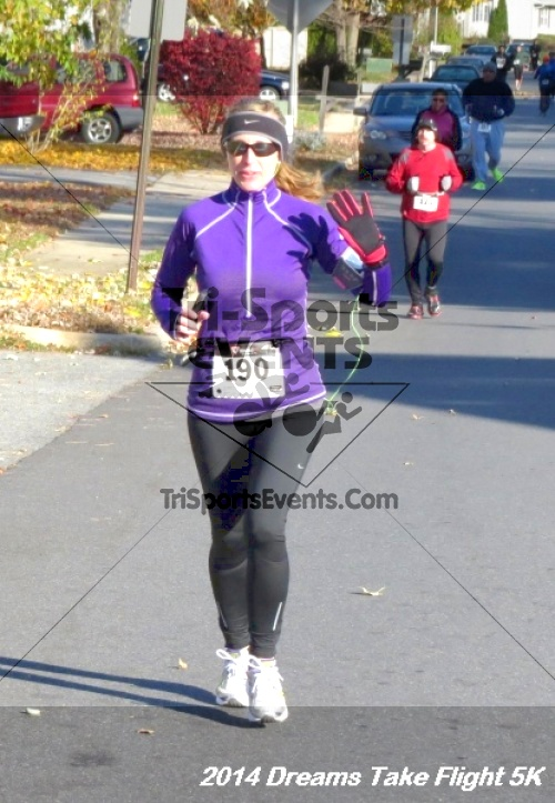 Dreams Take Flight 5K<br><br><br><br><a href='https://www.trisportsevents.com/pics/14_Dreams_Take_Flight_5K_014.JPG' download='14_Dreams_Take_Flight_5K_014.JPG'>Click here to download.</a><Br><a href='http://www.facebook.com/sharer.php?u=http:%2F%2Fwww.trisportsevents.com%2Fpics%2F14_Dreams_Take_Flight_5K_014.JPG&t=Dreams Take Flight 5K' target='_blank'><img src='images/fb_share.png' width='100'></a>