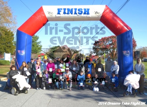 Dreams Take Flight 5K<br><br><br><br><a href='http://www.trisportsevents.com/pics/14_Dreams_Take_Flight_5K_105.JPG' download='14_Dreams_Take_Flight_5K_105.JPG'>Click here to download.</a><Br><a href='http://www.facebook.com/sharer.php?u=http:%2F%2Fwww.trisportsevents.com%2Fpics%2F14_Dreams_Take_Flight_5K_105.JPG&t=Dreams Take Flight 5K' target='_blank'><img src='images/fb_share.png' width='100'></a>