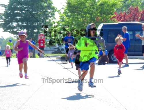 Honor Their Sacrific 5K Run/Walk<br><br><br><br><a href='http://www.trisportsevents.com/pics/14_Elks_5K_004.JPG' download='14_Elks_5K_004.JPG'>Click here to download.</a><Br><a href='http://www.facebook.com/sharer.php?u=http:%2F%2Fwww.trisportsevents.com%2Fpics%2F14_Elks_5K_004.JPG&t=Honor Their Sacrific 5K Run/Walk' target='_blank'><img src='images/fb_share.png' width='100'></a>