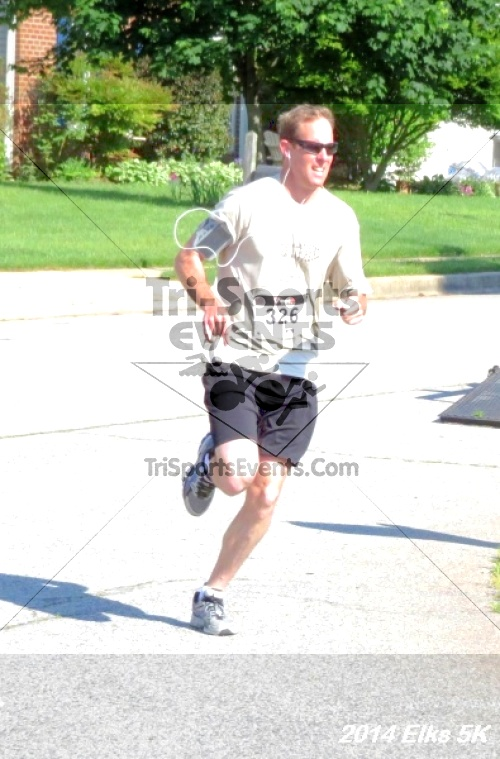 Honor Their Sacrific 5K Run/Walk<br><br><br><br><a href='http://www.trisportsevents.com/pics/14_Elks_5K_019.JPG' download='14_Elks_5K_019.JPG'>Click here to download.</a><Br><a href='http://www.facebook.com/sharer.php?u=http:%2F%2Fwww.trisportsevents.com%2Fpics%2F14_Elks_5K_019.JPG&t=Honor Their Sacrific 5K Run/Walk' target='_blank'><img src='images/fb_share.png' width='100'></a>
