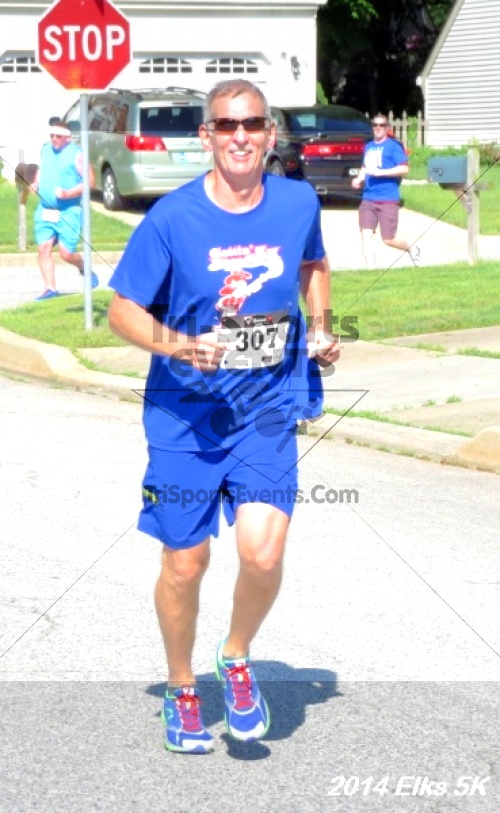 Honor Their Sacrific 5K Run/Walk<br><br><br><br><a href='http://www.trisportsevents.com/pics/14_Elks_5K_035.JPG' download='14_Elks_5K_035.JPG'>Click here to download.</a><Br><a href='http://www.facebook.com/sharer.php?u=http:%2F%2Fwww.trisportsevents.com%2Fpics%2F14_Elks_5K_035.JPG&t=Honor Their Sacrific 5K Run/Walk' target='_blank'><img src='images/fb_share.png' width='100'></a>