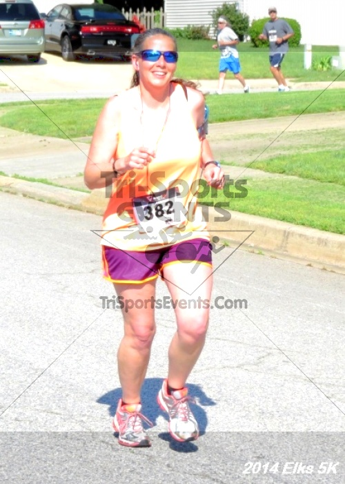 Honor Their Sacrific 5K Run/Walk<br><br><br><br><a href='http://www.trisportsevents.com/pics/14_Elks_5K_049.JPG' download='14_Elks_5K_049.JPG'>Click here to download.</a><Br><a href='http://www.facebook.com/sharer.php?u=http:%2F%2Fwww.trisportsevents.com%2Fpics%2F14_Elks_5K_049.JPG&t=Honor Their Sacrific 5K Run/Walk' target='_blank'><img src='images/fb_share.png' width='100'></a>
