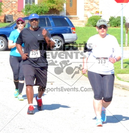 Honor Their Sacrific 5K Run/Walk<br><br><br><br><a href='https://www.trisportsevents.com/pics/14_Elks_5K_082.JPG' download='14_Elks_5K_082.JPG'>Click here to download.</a><Br><a href='http://www.facebook.com/sharer.php?u=http:%2F%2Fwww.trisportsevents.com%2Fpics%2F14_Elks_5K_082.JPG&t=Honor Their Sacrific 5K Run/Walk' target='_blank'><img src='images/fb_share.png' width='100'></a>