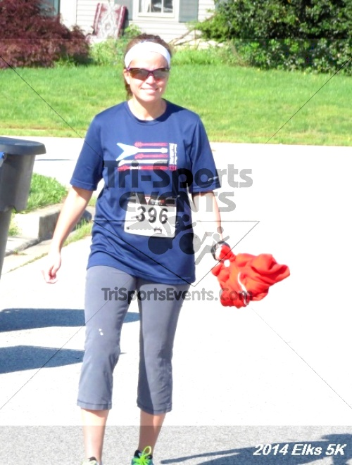 Honor Their Sacrific 5K Run/Walk<br><br><br><br><a href='https://www.trisportsevents.com/pics/14_Elks_5K_086.JPG' download='14_Elks_5K_086.JPG'>Click here to download.</a><Br><a href='http://www.facebook.com/sharer.php?u=http:%2F%2Fwww.trisportsevents.com%2Fpics%2F14_Elks_5K_086.JPG&t=Honor Their Sacrific 5K Run/Walk' target='_blank'><img src='images/fb_share.png' width='100'></a>