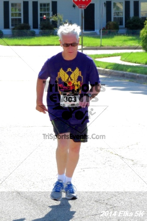 Honor Their Sacrific 5K Run/Walk<br><br><br><br><a href='http://www.trisportsevents.com/pics/14_Elks_5K_117.JPG' download='14_Elks_5K_117.JPG'>Click here to download.</a><Br><a href='http://www.facebook.com/sharer.php?u=http:%2F%2Fwww.trisportsevents.com%2Fpics%2F14_Elks_5K_117.JPG&t=Honor Their Sacrific 5K Run/Walk' target='_blank'><img src='images/fb_share.png' width='100'></a>