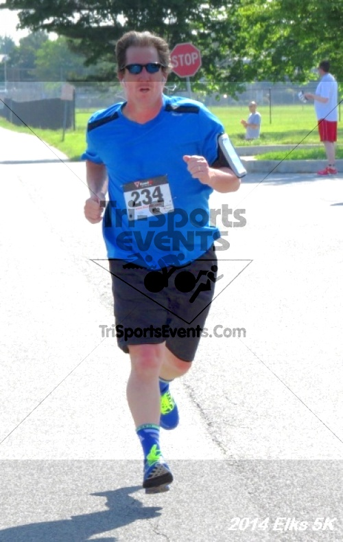 Honor Their Sacrific 5K Run/Walk<br><br><br><br><a href='http://www.trisportsevents.com/pics/14_Elks_5K_140.JPG' download='14_Elks_5K_140.JPG'>Click here to download.</a><Br><a href='http://www.facebook.com/sharer.php?u=http:%2F%2Fwww.trisportsevents.com%2Fpics%2F14_Elks_5K_140.JPG&t=Honor Their Sacrific 5K Run/Walk' target='_blank'><img src='images/fb_share.png' width='100'></a>