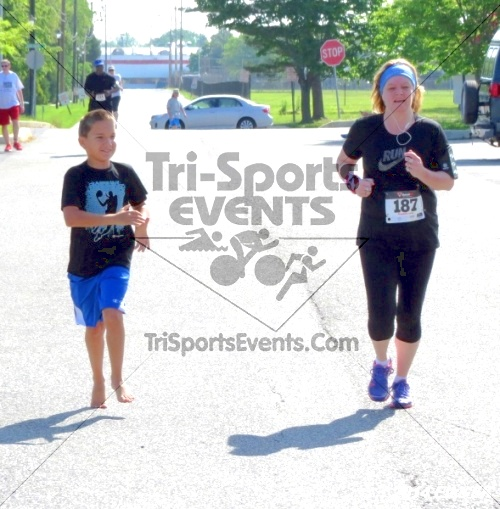 Honor Their Sacrific 5K Run/Walk<br><br><br><br><a href='https://www.trisportsevents.com/pics/14_Elks_5K_182.JPG' download='14_Elks_5K_182.JPG'>Click here to download.</a><Br><a href='http://www.facebook.com/sharer.php?u=http:%2F%2Fwww.trisportsevents.com%2Fpics%2F14_Elks_5K_182.JPG&t=Honor Their Sacrific 5K Run/Walk' target='_blank'><img src='images/fb_share.png' width='100'></a>