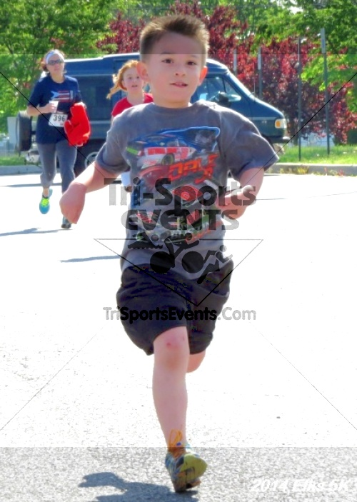 Honor Their Sacrific 5K Run/Walk<br><br><br><br><a href='https://www.trisportsevents.com/pics/14_Elks_5K_203.JPG' download='14_Elks_5K_203.JPG'>Click here to download.</a><Br><a href='http://www.facebook.com/sharer.php?u=http:%2F%2Fwww.trisportsevents.com%2Fpics%2F14_Elks_5K_203.JPG&t=Honor Their Sacrific 5K Run/Walk' target='_blank'><img src='images/fb_share.png' width='100'></a>