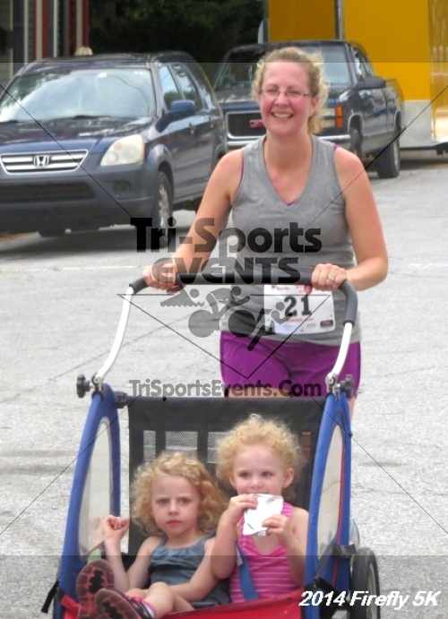 Firefly 5K Run/Walk<br><br><br><br><a href='http://www.trisportsevents.com/pics/14_Firefly_5K_227.JPG' download='14_Firefly_5K_227.JPG'>Click here to download.</a><Br><a href='http://www.facebook.com/sharer.php?u=http:%2F%2Fwww.trisportsevents.com%2Fpics%2F14_Firefly_5K_227.JPG&t=Firefly 5K Run/Walk' target='_blank'><img src='images/fb_share.png' width='100'></a>