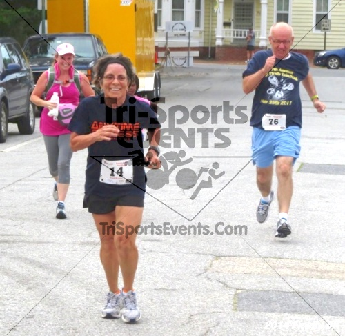 Firefly 5K Run/Walk<br><br><br><br><a href='http://www.trisportsevents.com/pics/14_Firefly_5K_236.JPG' download='14_Firefly_5K_236.JPG'>Click here to download.</a><Br><a href='http://www.facebook.com/sharer.php?u=http:%2F%2Fwww.trisportsevents.com%2Fpics%2F14_Firefly_5K_236.JPG&t=Firefly 5K Run/Walk' target='_blank'><img src='images/fb_share.png' width='100'></a>