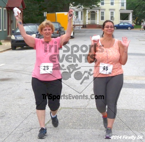 Firefly 5K Run/Walk<br><br><br><br><a href='http://www.trisportsevents.com/pics/14_Firefly_5K_277.JPG' download='14_Firefly_5K_277.JPG'>Click here to download.</a><Br><a href='http://www.facebook.com/sharer.php?u=http:%2F%2Fwww.trisportsevents.com%2Fpics%2F14_Firefly_5K_277.JPG&t=Firefly 5K Run/Walk' target='_blank'><img src='images/fb_share.png' width='100'></a>